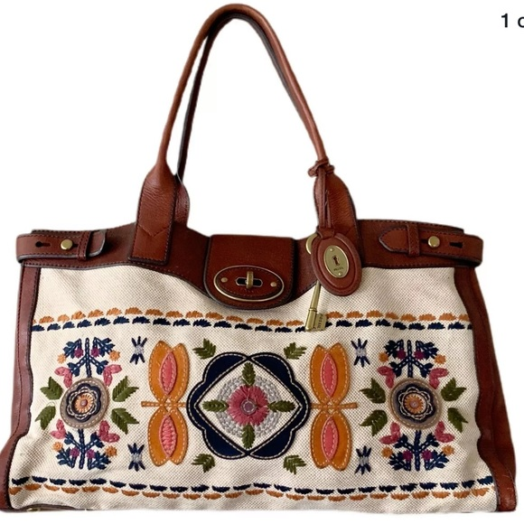 FOSSIL Reissue Weekender Embroidered RARE tote